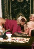 Liv & Sue, in love - thumb 2