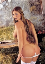 Rita Faltoyano loves the farmer - thumb 1
