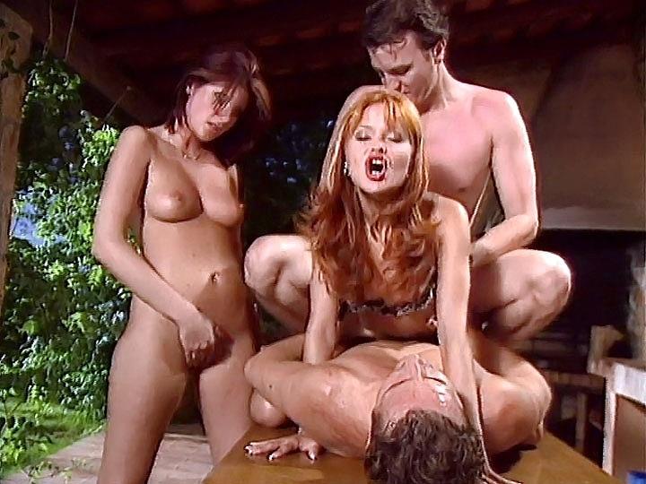 2 sexy Lesben beim Sex