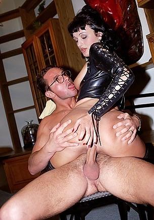 Vivian, Full Time Secretary Gets an Anal Threesome