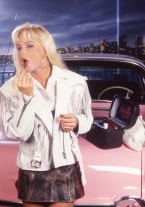 Silvia Saint and the Pink Car - thumb 1