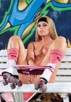 Ellen Saint, Roller Girl - thumb 2