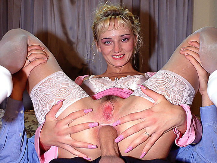 Her Anal Penetration - Sophie Roche Opens Wide her Ass for Anal Sex - Retro Porn. Private Classics
