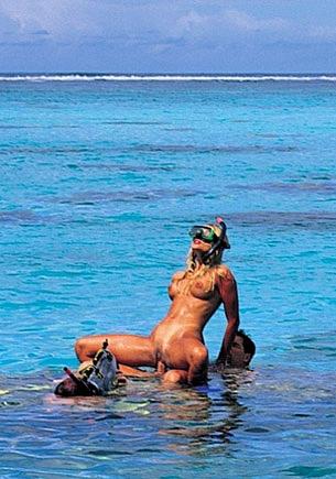 Katja heeft sex onder water in de buurt van Bora Bora