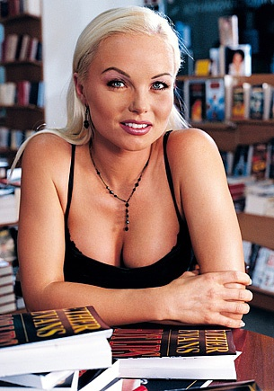 Beautiful Silvia Saint Performs Sensuous Upskirt While Mastubating
