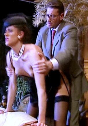 Katarina Martinez mientras la observa una voyeur acoge una corrida facial con sumo placer